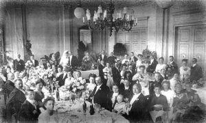 Hochzeit im Saal um 1900